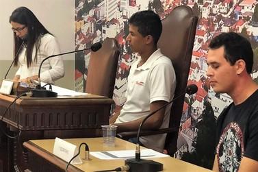 Vereadores Mirins de Jacarezinho ensaiaram posse oficial na Câmara Municipal