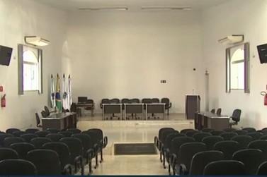 Vereadores de Sto Antônio da Platina derrubam veto e confirmam aumento salarial