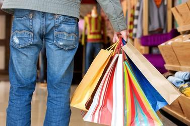 Neste sábado o comércio de Jacarezinho fica aberto até as 17 horas