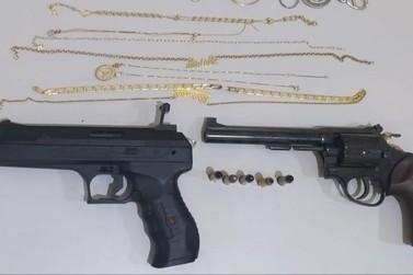 Assaltantes fazem duas moradoras como reféns em Santo Antônio da Platina