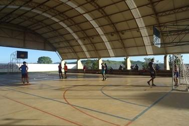 Centro da Juventude abre matrículas para aulas de Futsal em Jacarezinho