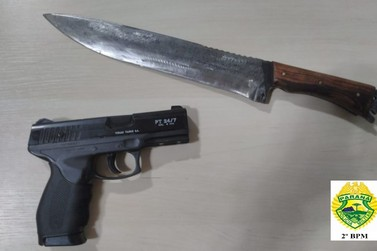 Homem tenta matar mulher e criança de 04 anos a facadas em Ribeirão do Pinhal