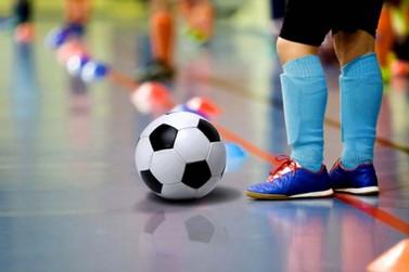 Inscrições abertas para a escola de futsal do Colégio Elo em Jacarezinho
