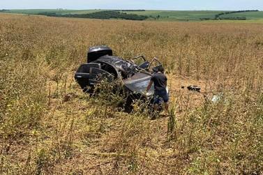 Mulher e dois filhos ficam feridos após capotamento na PR-454, norte do Paraná