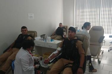Policiais militares do 2ºBPM doam sangue em Jacarezinho