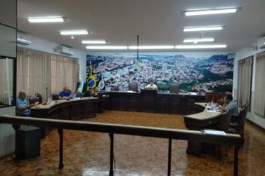 Câmara de Jacarezinho aprova reajuste de Servidores Públicos