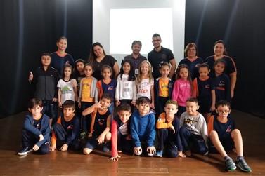 Equipe de engajamento público da Forrest Brasil visita o Colégio Elo