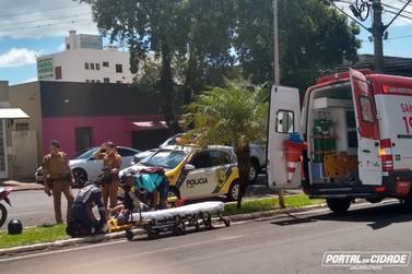 Motociclista fica ferida em acidente na Avenida Getúlio Vargas em Jacarezinho