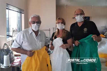 Santa Casa de Jacarezinho recebe doação de jalecos
