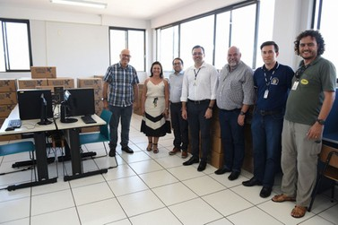 UENP recebe 100 computadores por meio de emenda parlamentar