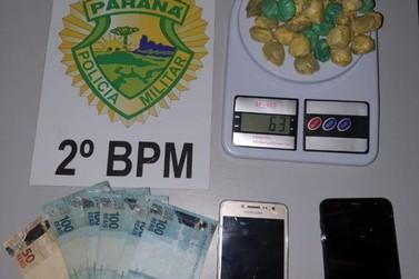 Dupla é detida por tráfico de drogas próximo a Cadeia Pública em Jacarezinho