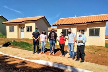 50 famílias recebem casas populares em Wenceslau Braz
