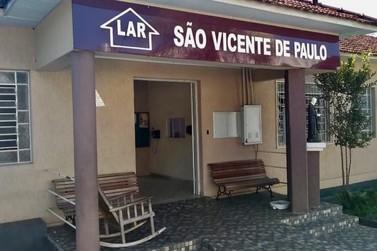 Bazar do Asilo São Vicente de Paulo de Jacarezinho acontece nesta segunda (15)