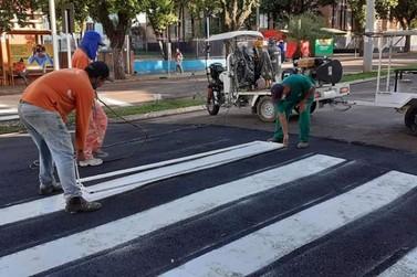 Novas faixas elevadas são instaladas na Avenida Getúlio Vargas em Jacarezinho