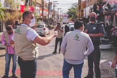 Prefeitura fiscaliza uso da máscara no centro de Ourinhos e notifica infratores