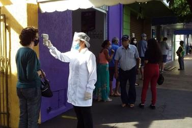 Vigilância Sanitária de Cambará realizou medição de temperatura na área central