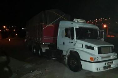 PM recupera caminhão bitrem em Cornélio Procópio