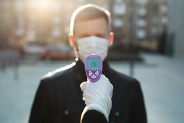 Coronavírus: Existe risco em medir a temperatura pela testa?