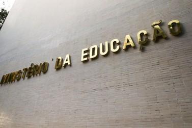 MEC adia para 1º de março aulas presenciais nas universidades federais