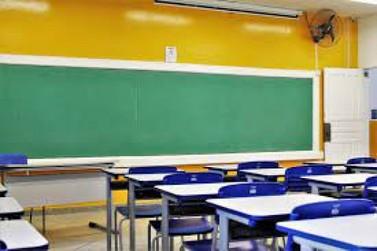 Doze colégios estaduais no Paraná tem aulas presenciais suspensas