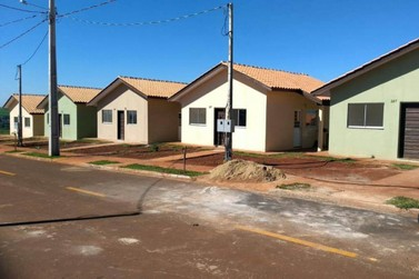 Governo vai entregar 56 casas a famílias de Cambará em Agosto