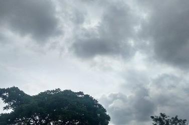 Jacarezinho inicia quarta-feira com céu nublado e aumento de temperaturas