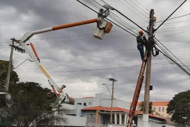 Lâmpadas Led dão nova iluminação na Avenida Getúlio Vargas em Jacarezinho
