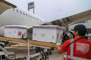 Lote com 235,5 mil vacinas contra a Covid-19 chega ao Paraná nesta quinta-feira