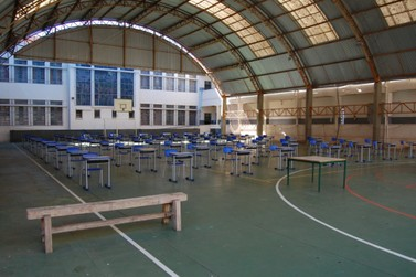 Colégios Estaduais de Jacarezinho recebem alunos para aulas presenciais