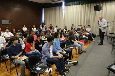 Jovens participam de wokshop realizado pela Unilever e Prefeitura de Valinhos