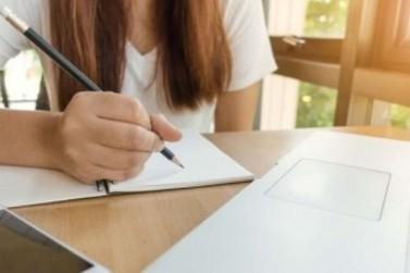 Prefeitura abre inscrições para bolsas de ensino superior e técnico