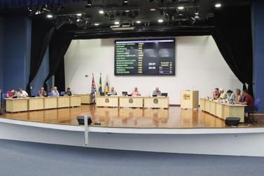 Câmara aprova remanejamento de R$ 1,2 milhão para Festa da Uva