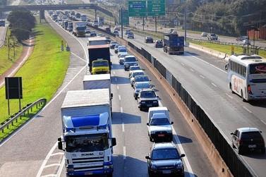 Acidente na Anhanguera causa mais de um quilômetro de congestionamento
