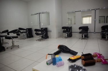 Núcleo de Capacitação divulga lista de classificados para curso de cabeleireiro