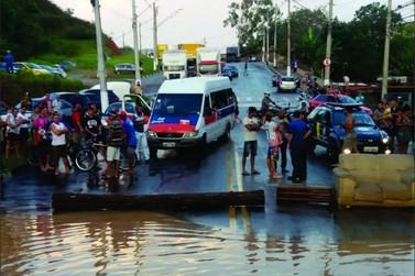 Anhanguera interditada e vários outros pontos das principais rodovias na capital