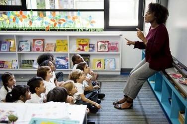 Professores da rede pública recebem CAPACITAÇÃO