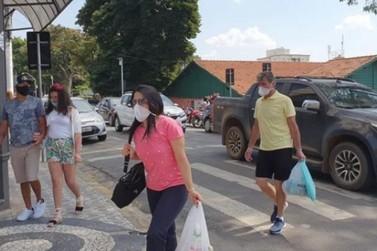Comércio de Atibaia todo aberto, povo feliz ! Cidade vira exemplo ao país!