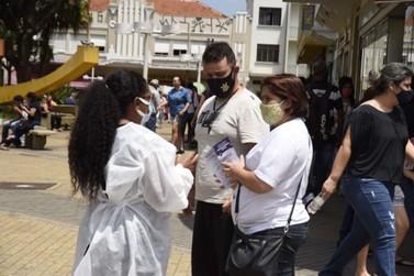 Saúde realiza conscientização contra COVID-19 no Centro de Jundiaí