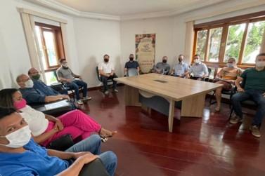 Secretário de Desenvolvimento Econômico se reúne com profissionais de Louveira