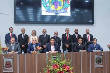 Veja como foi a cerimônia de posse do prefeito e vereadores eleitos de louveira