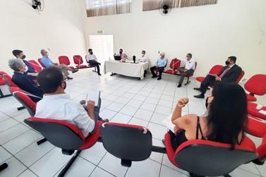 Vinhedo apresenta cronograma de revisão do Plano Diretor ao promotor do Gaema