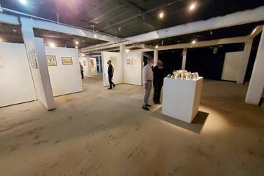 Mostra Vinhedense de Artes Visuais é aberta com a participação de 20 munícipes