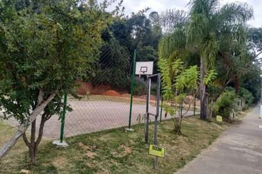 Vinhedo revitaliza quadra de basquete do Canudos e vai reformar quadra de futsal