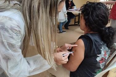 Pessoas em situação de rua são vacinadas nesta terça-feira (29) em Louveira