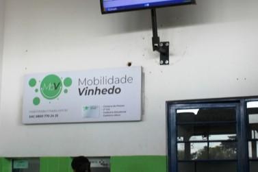 Terminais Rodoviários de Vinhedo ganham monitores com informações em tempo real