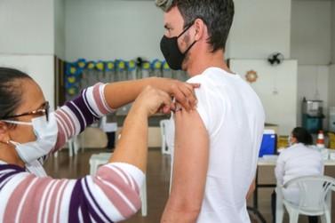 Vinhedo vacina 54% da população adulta contra covid-19 e aplica 41.840 doses