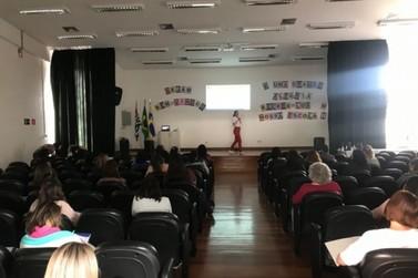 Louveira faz encontro com profissionais da Rede Municipal sobre inclusão escolar