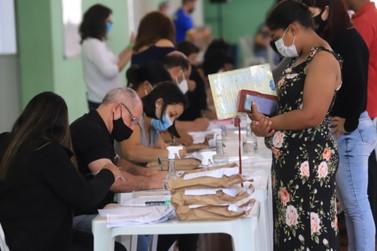 Louveira realiza entrega de tablets para alunos da Rede Municipal