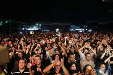 João Carreiro e Munhoz e Mariano levam público ao êxtase durante show