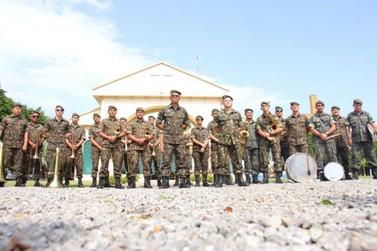 Lucas do Rio Verde recepciona veteranos do 9º BEC com festa